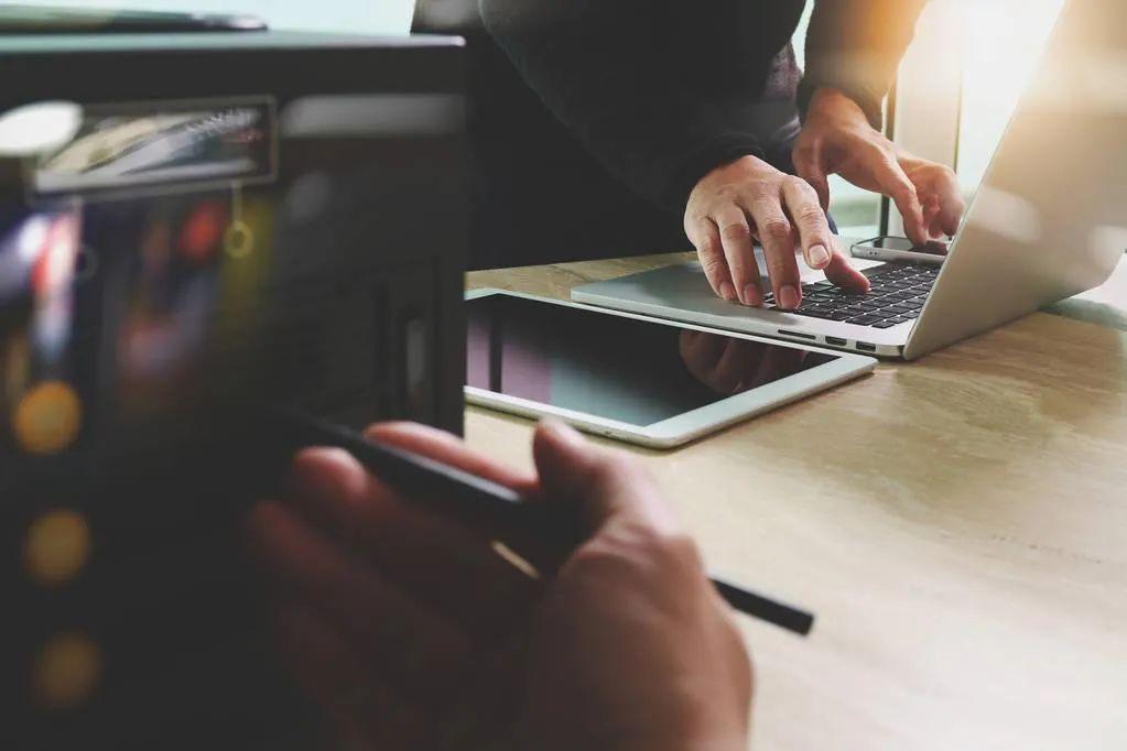人可以是Siri型社交,但企业绝对不可以是Siri型企业-第4张图片-媒介匣